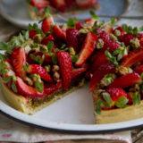 Torta creme de pistache e morango