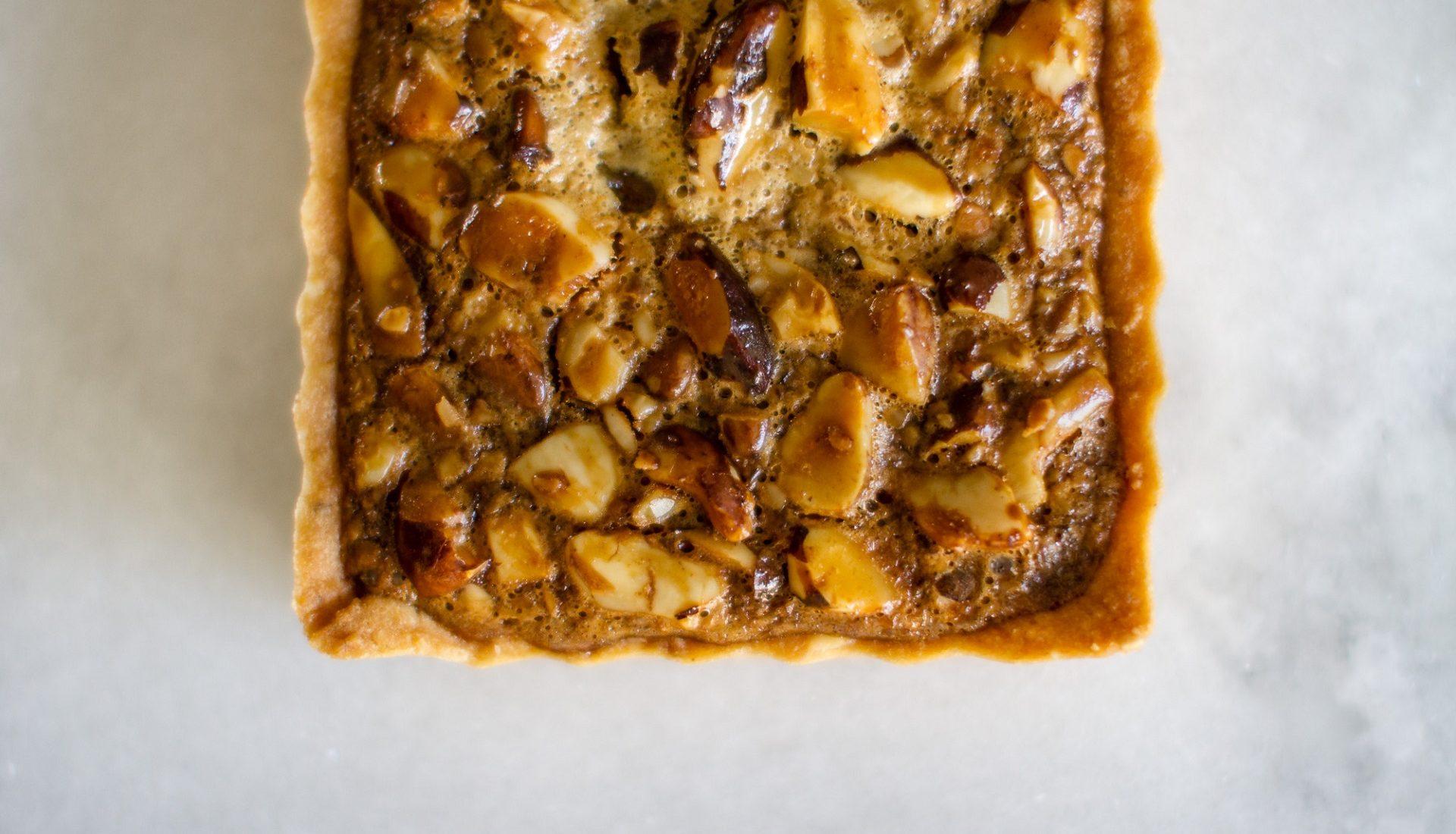 Torta cremosa de castanha do pará